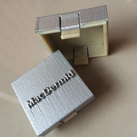 Foto von 3d-Bauteil außen metallisiert (Zugstäbe) (Zn)