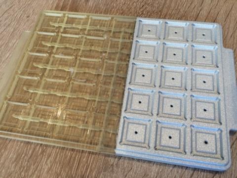 Foto von 3d-Bauteil außen teilweise metallisiert (Zn)